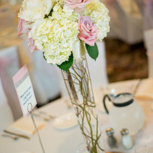 Wedding-Table-Setting-By-Flora-Etc.-Minneapolis-Florist