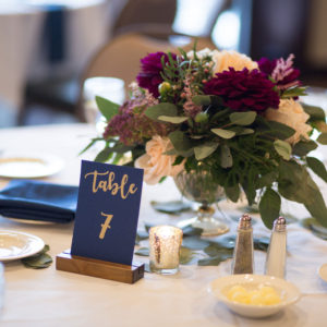 Wedding-Table-Setting-by-Flora-Etc.-Lakeville-Florist