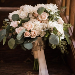 Wedding-by-Flora-Etc.-Lakeville-Florist