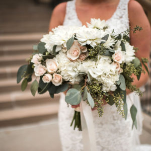 Wedding-by-Flora-Etc.-Minneapolis-Florist